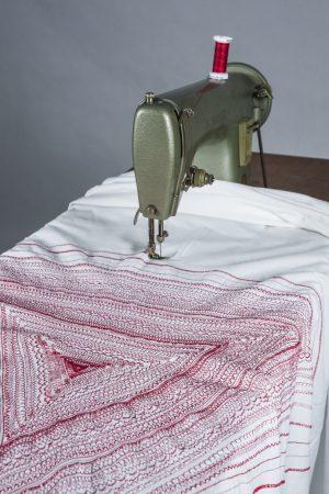 Proyecto Hyster. Instalación artística. Arte textil. Arte contemporáneo. El ajuar. Pepa Arróniz